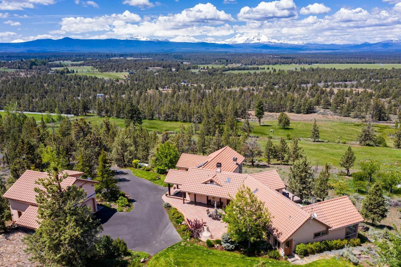 65570 Highway 20 Bend Or 97703 Mls 201904771 Fred Real Estate Group Of Central Oregon