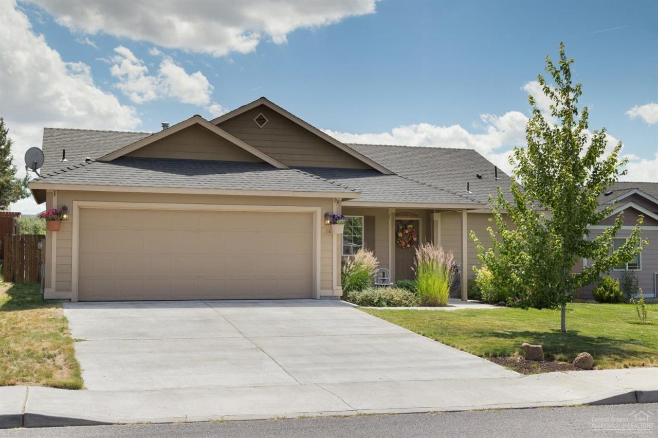 754 Quince Place - Photo 1