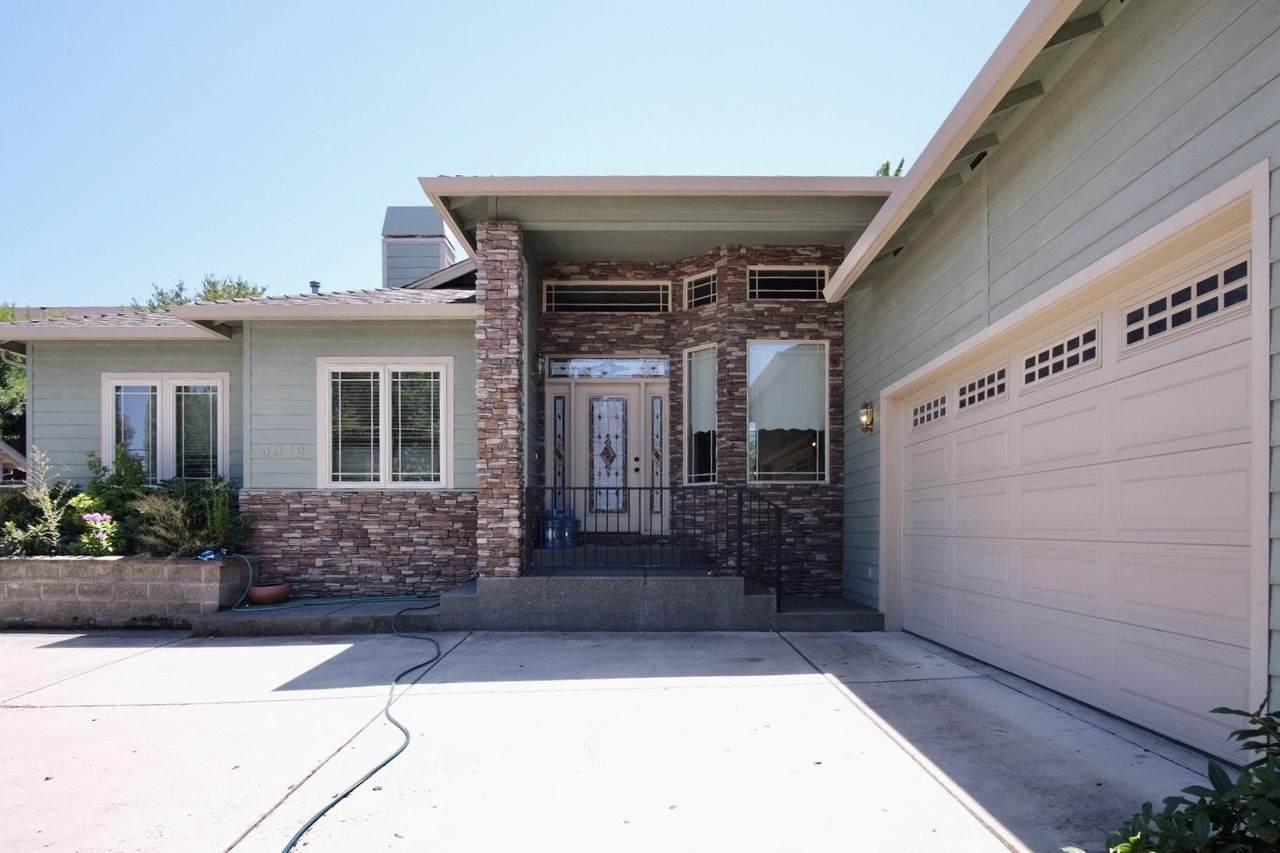 3052 Cedar Links Drive - Photo 1
