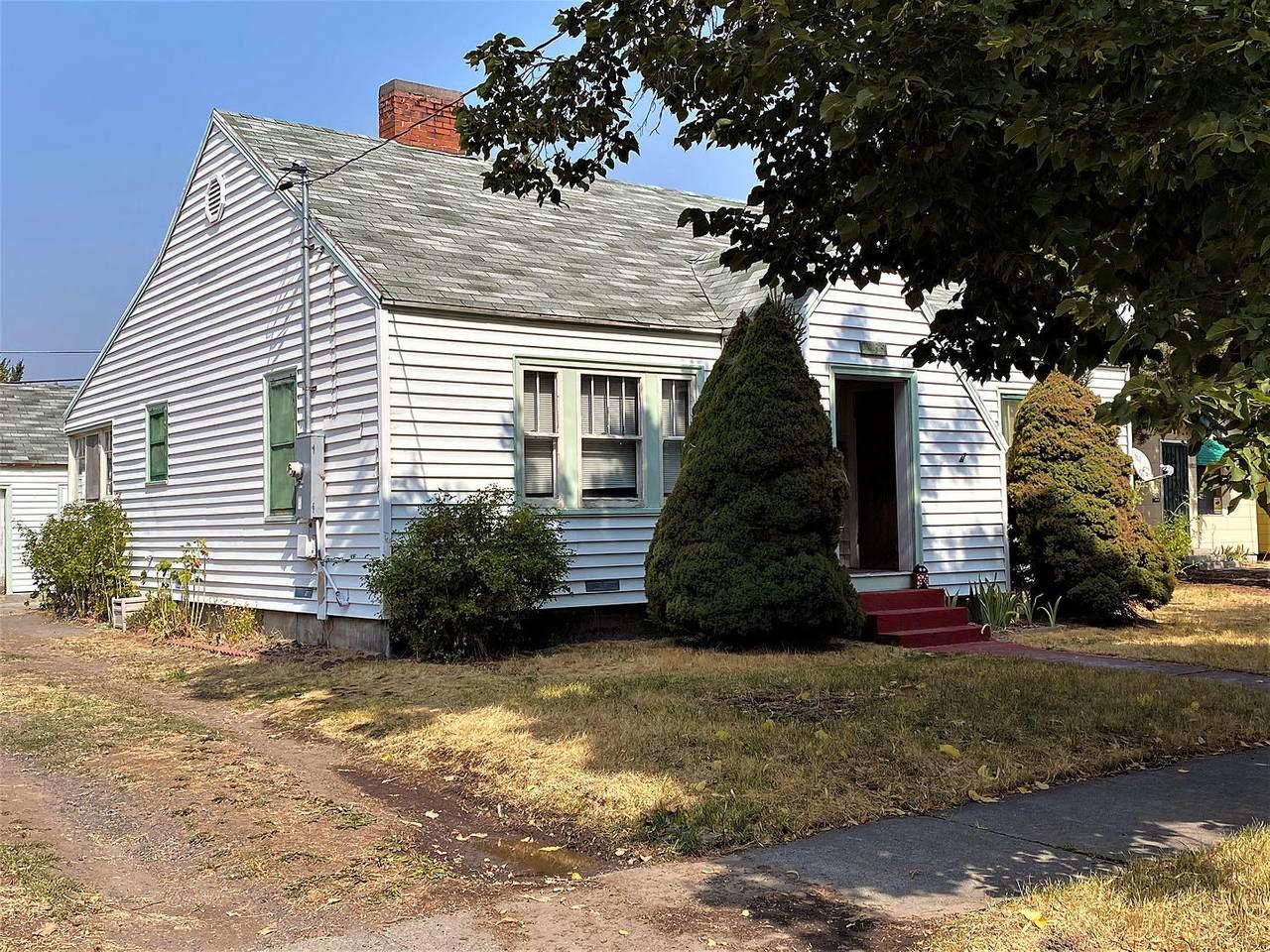 2135 Garden Avenue - Photo 1