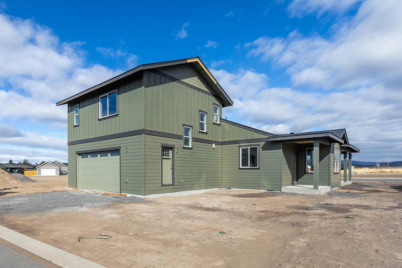 877 Discovery Loop - Photo 1