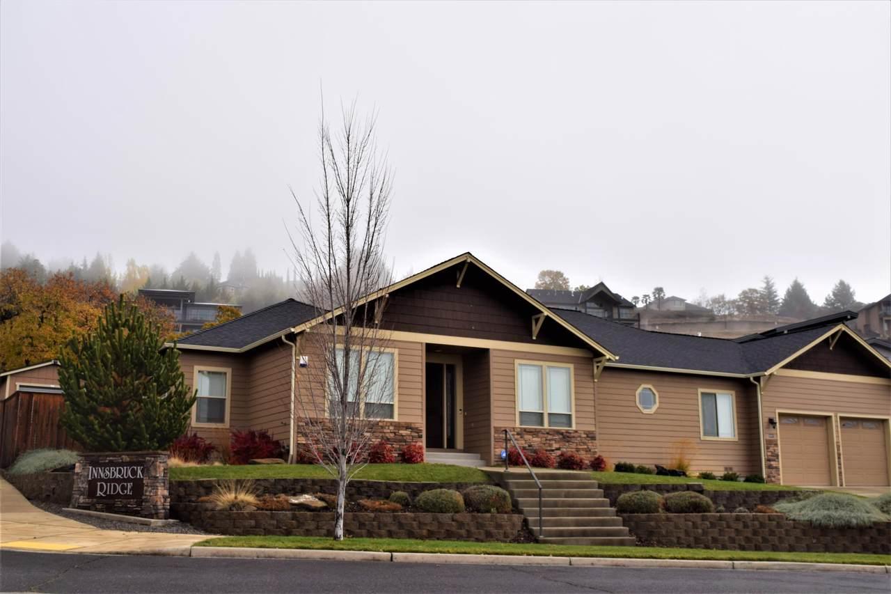 4441 Vista Pointe Drive - Photo 1