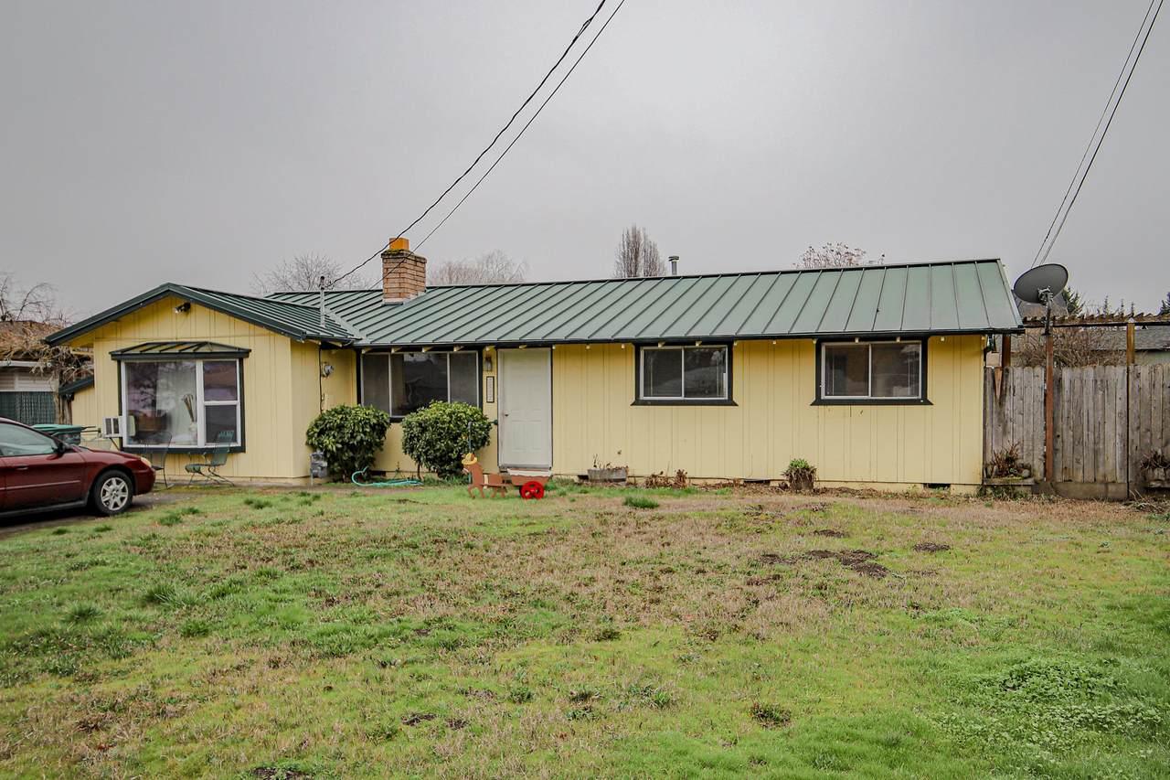 2527 Thorn Oak Drive - Photo 1