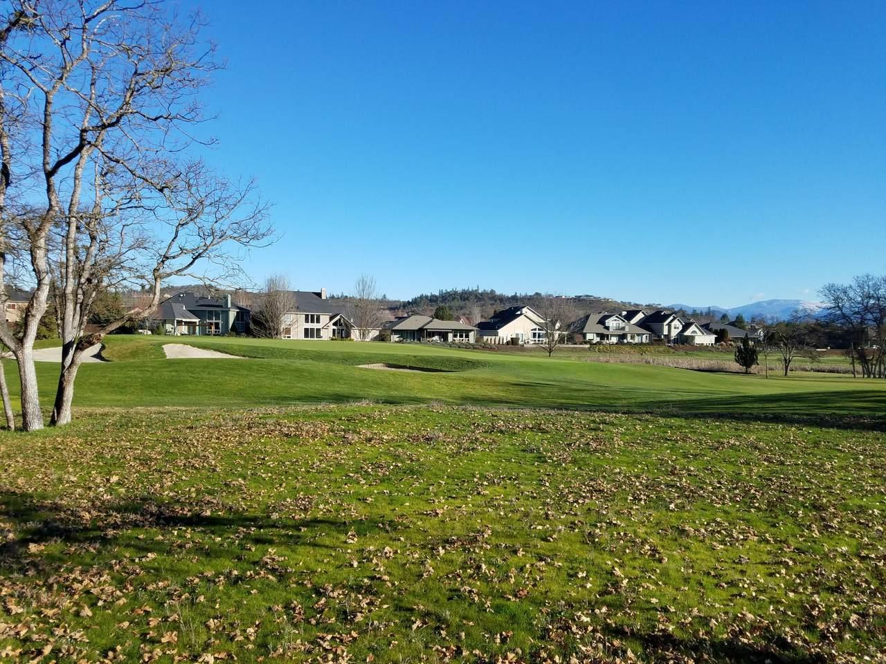 118 Pebble Creek Drive - Photo 1
