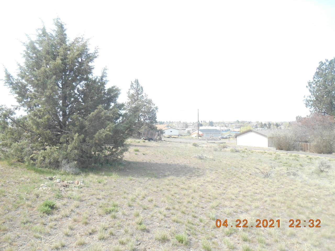 1203 Revere Avenue - Photo 1