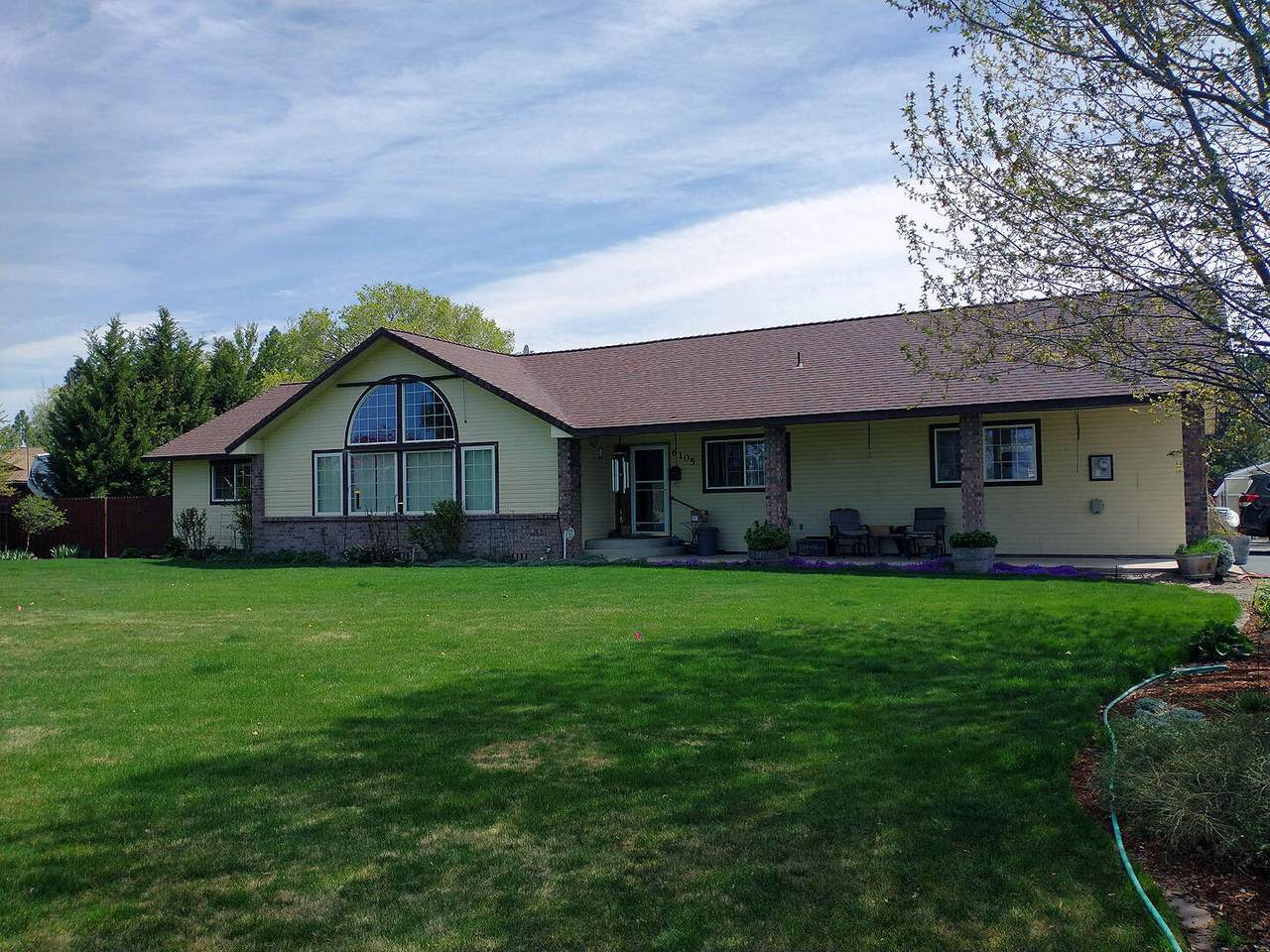 6105 Homedale Road - Photo 1