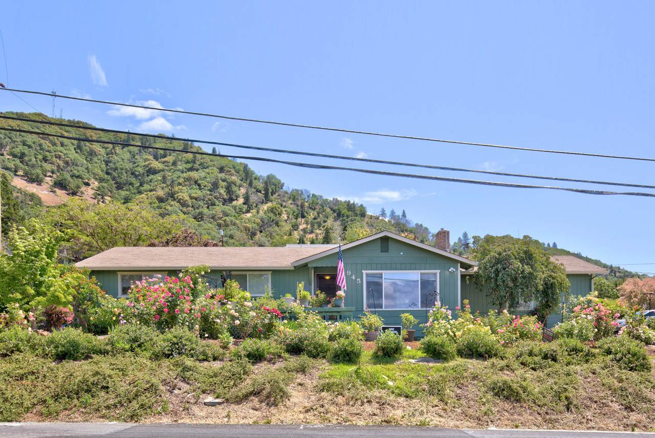 945 Beacon Drive - Photo 1