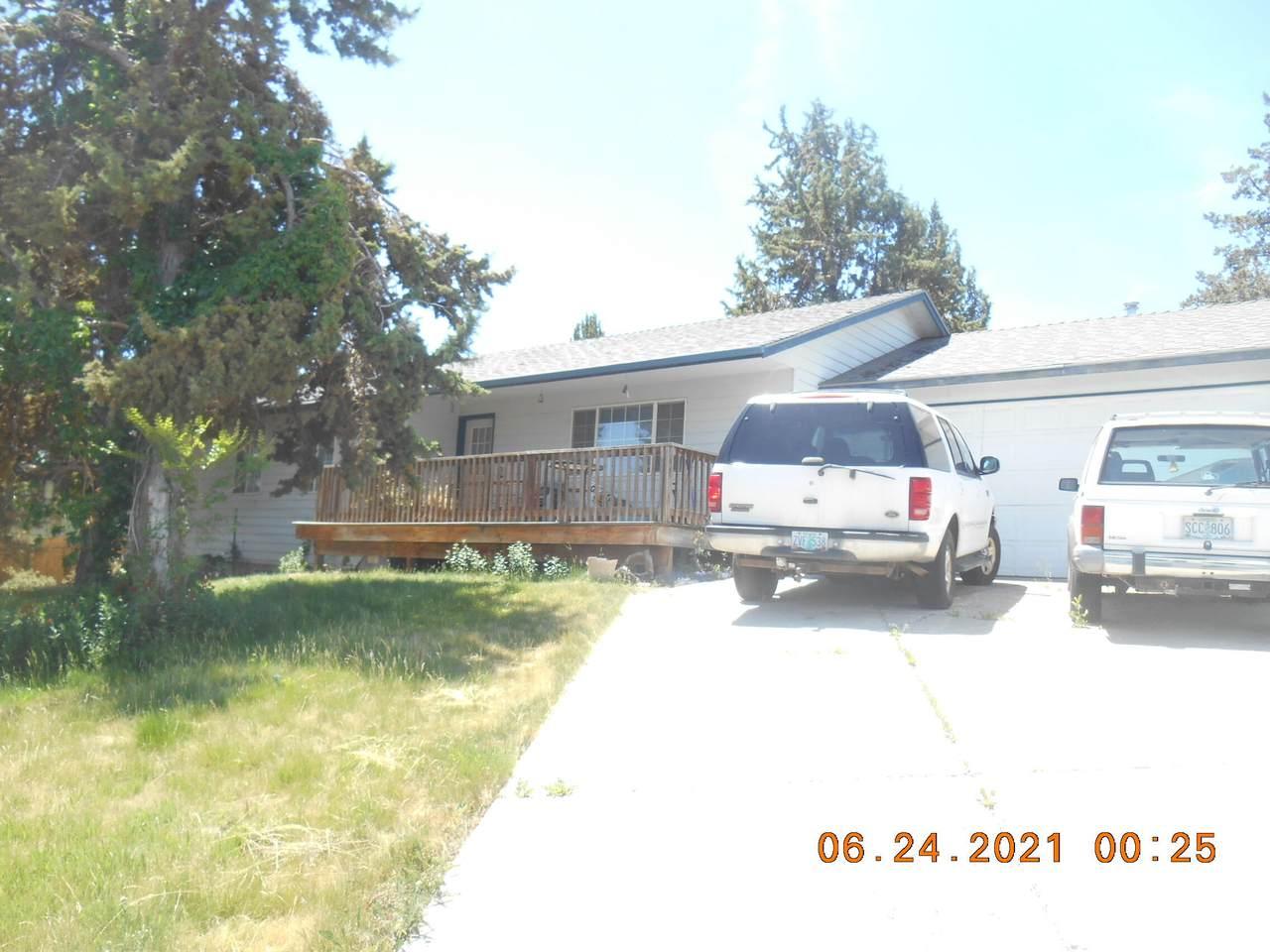 1011 Kenwood Street - Photo 1