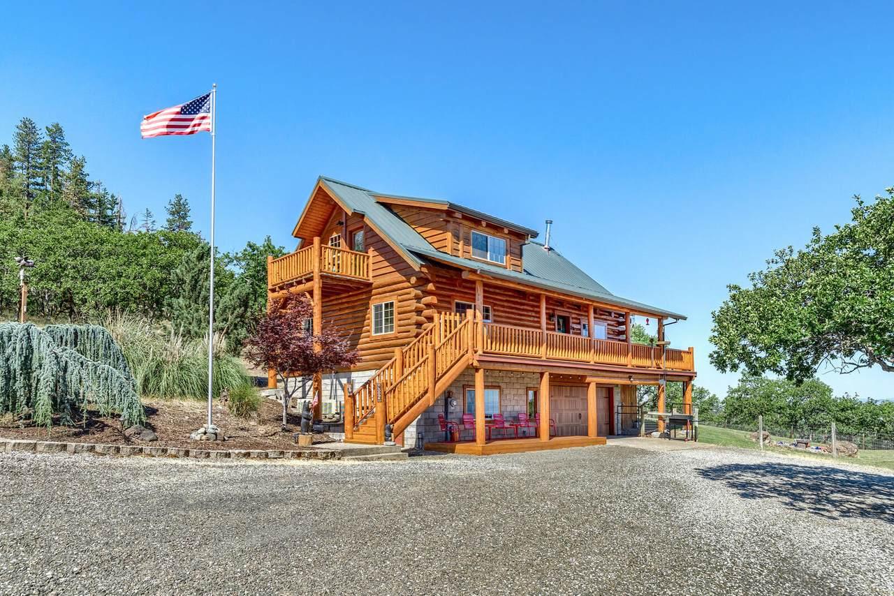 999 Wren Ridge Drive - Photo 1