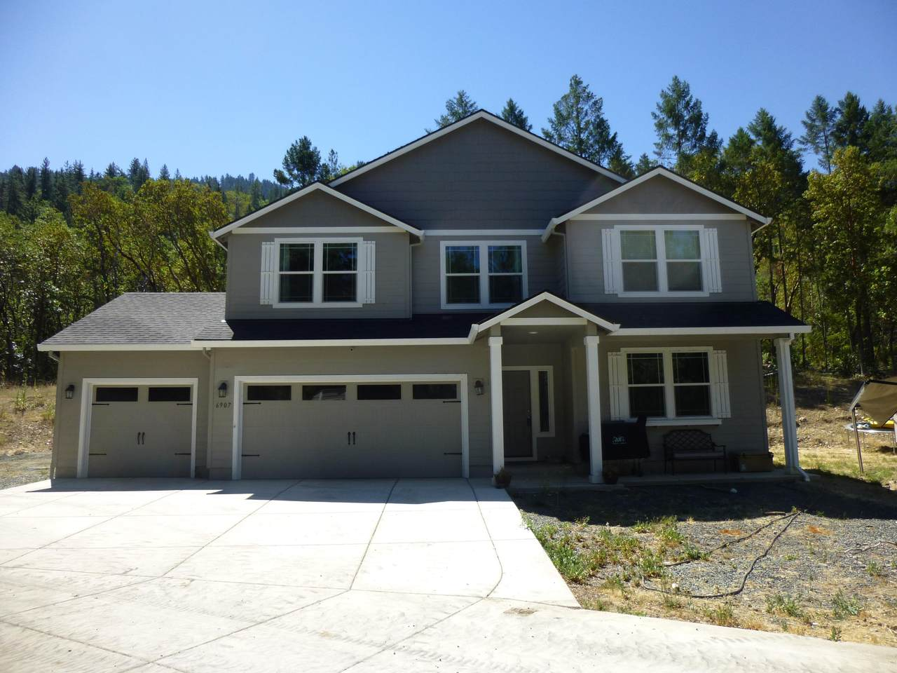 6907 Rogue River Highway - Photo 1