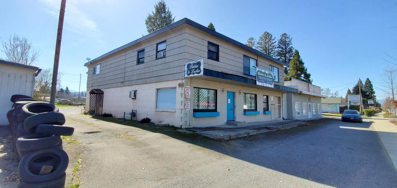 1495 Rogue River Highway - Photo 1