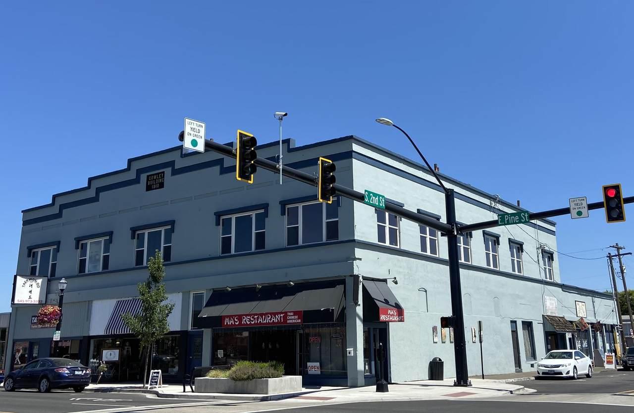 212-222 Pine Street - Photo 1