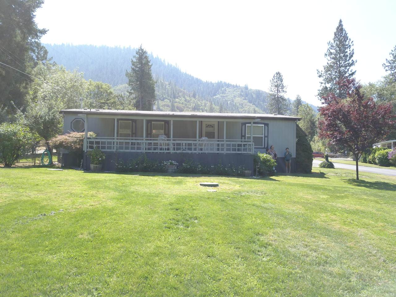7059 Rogue River Highway - Photo 1