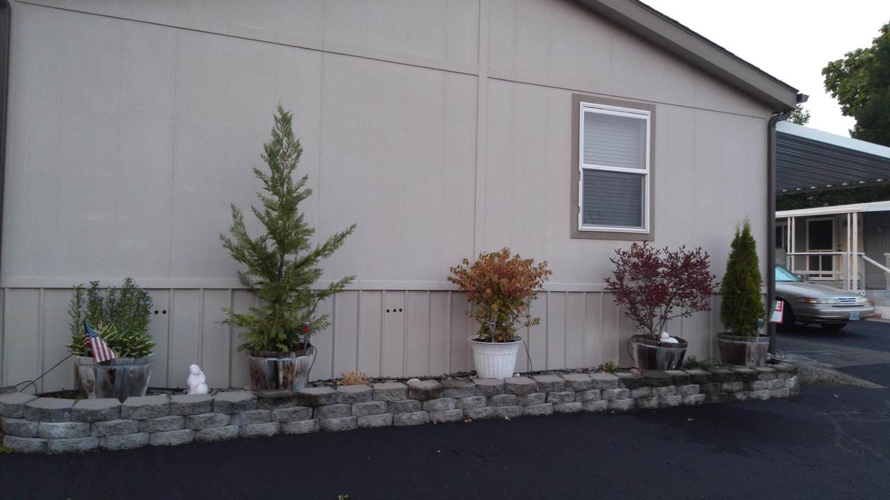 2325 Highland Avenue - Photo 1