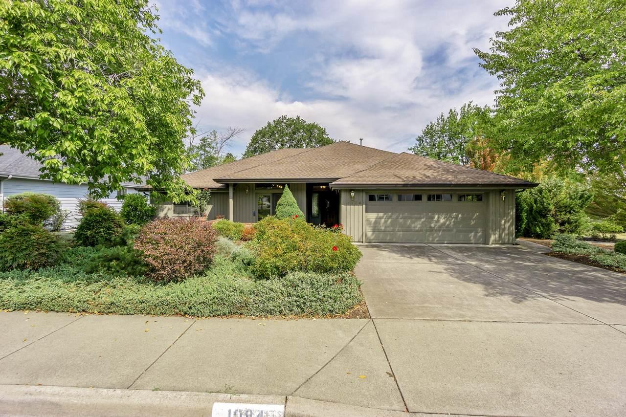 1084 Oak Knoll Drive - Photo 1