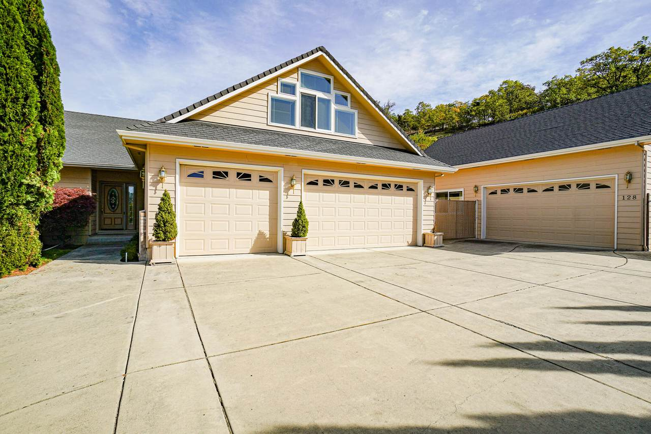 128 Monterey Drive - Photo 1