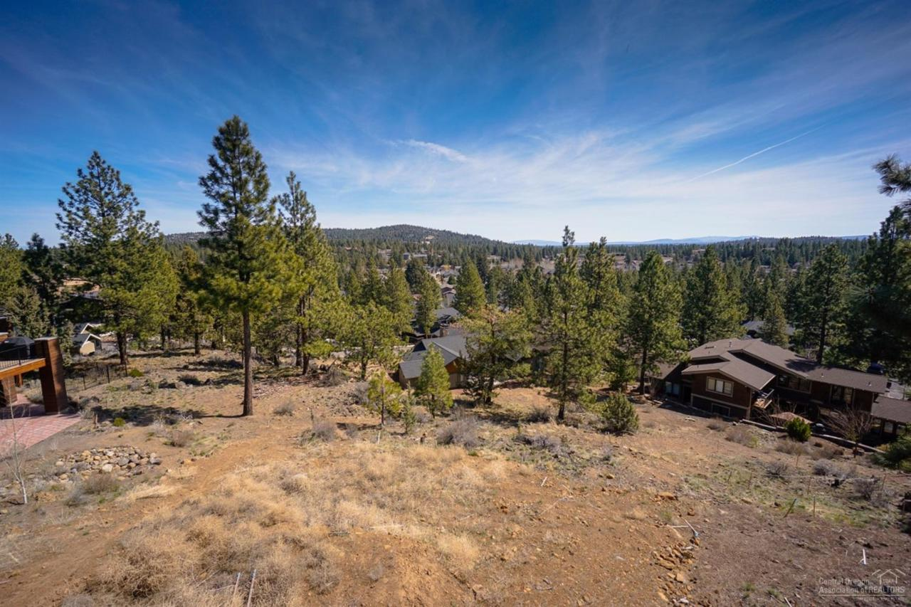 3343 NW Shevlin Ridge, Bend, OR 97703 (MLS #201602798) :: Birtola Garmyn High Desert Realty