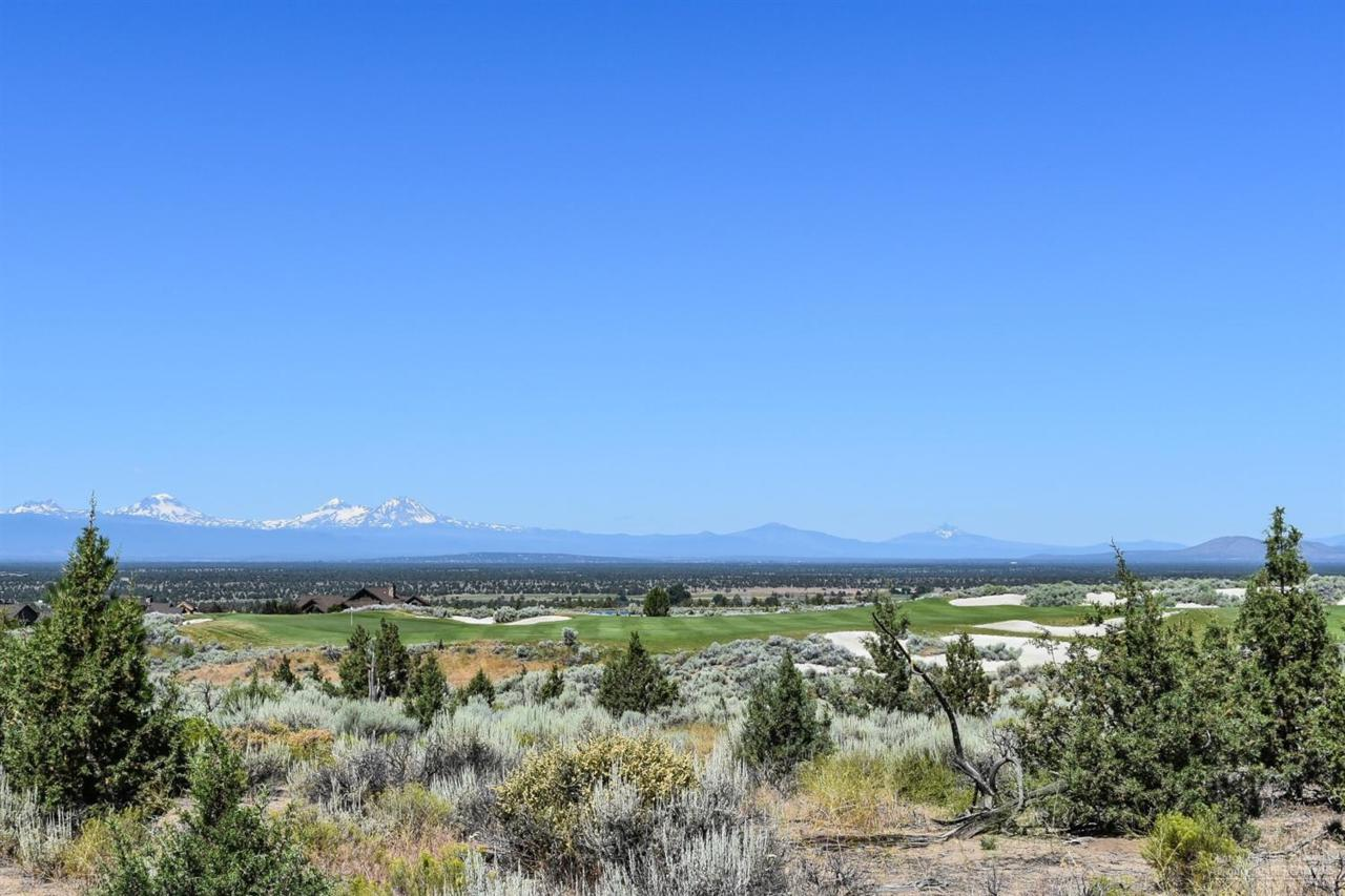 16202 SW Vaqueros Way, Powell Butte, OR 97753 (MLS #201605420) :: Birtola Garmyn High Desert Realty