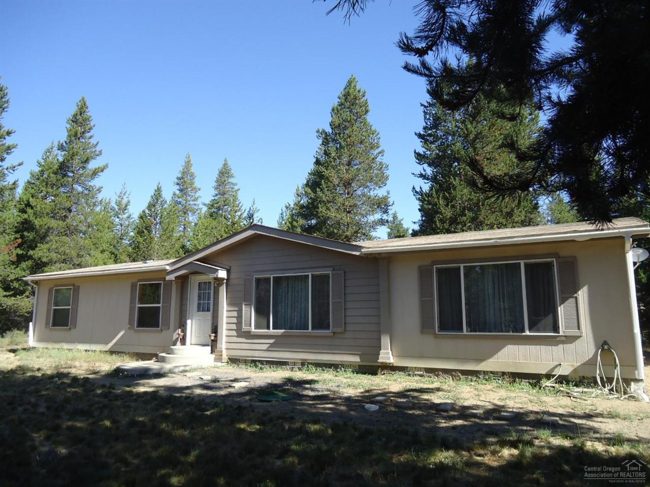 15910 Fir Lane, La Pine, OR 97739 (MLS #201607262) :: Birtola Garmyn High Desert Realty
