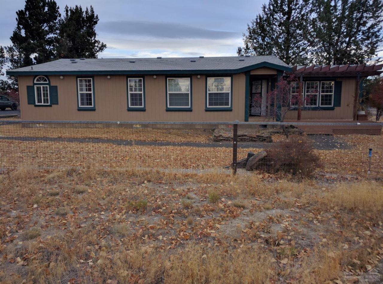19085 Dayton Road, Bend, OR 97703 (MLS #201607515) :: Birtola Garmyn High Desert Realty