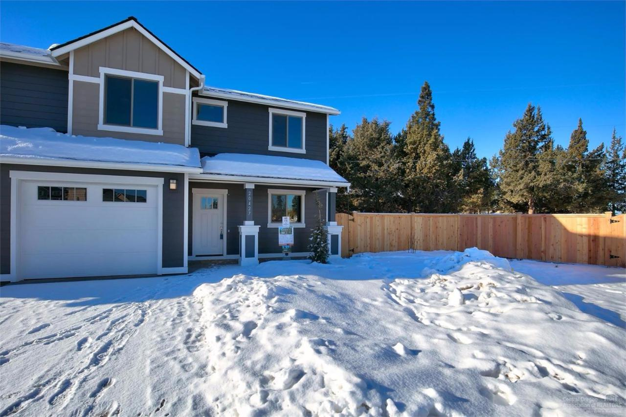 20427 Angel Court, Bend, OR 97702 (MLS #201608834) :: Birtola Garmyn High Desert Realty