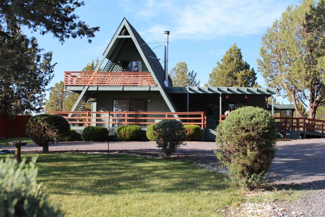 12349 SW Peninsula Drive, Terrebonne, OR 97760 (MLS #201609060) :: Birtola Garmyn High Desert Realty