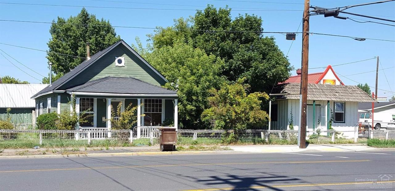 703 NW Main Street, Prineville, OR 97754 (MLS #201609381) :: Birtola Garmyn High Desert Realty