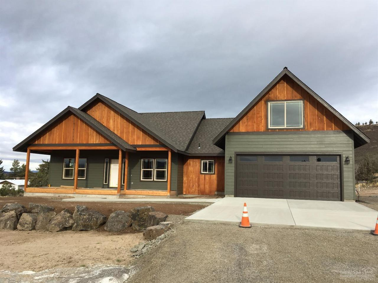 3121 SE Breese Way, Prineville, OR 97754 (MLS #201609840) :: Birtola Garmyn High Desert Realty