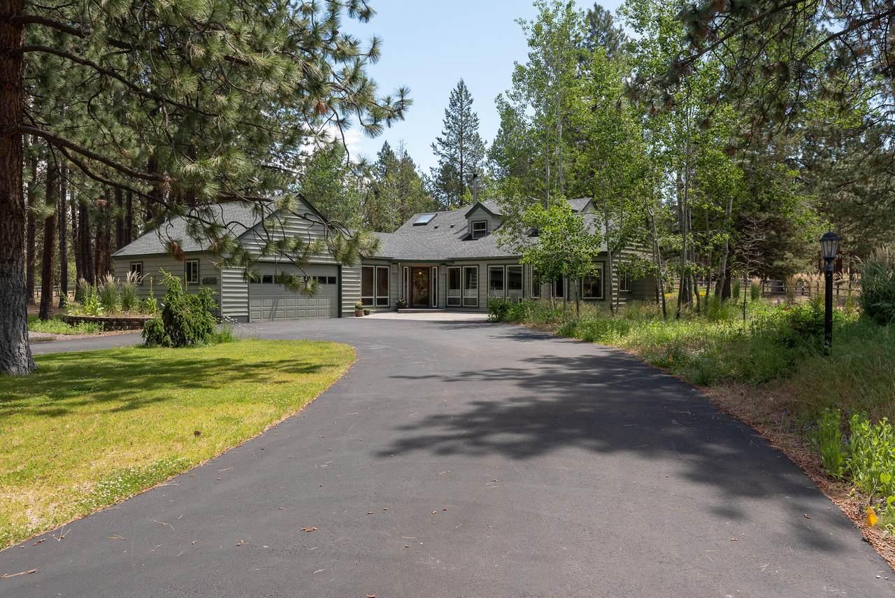 60210 Ridgeview Drive - Photo 1