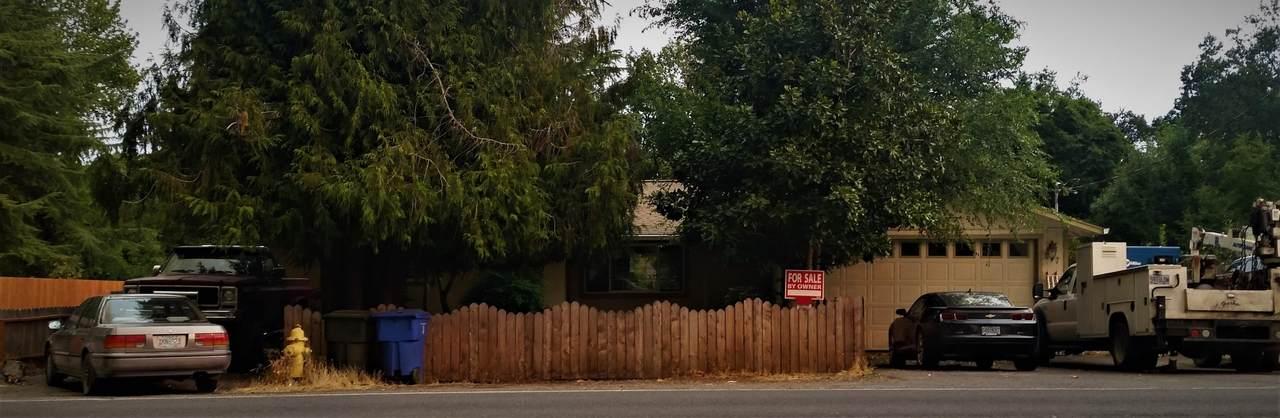 637 Royal Avenue - Photo 1