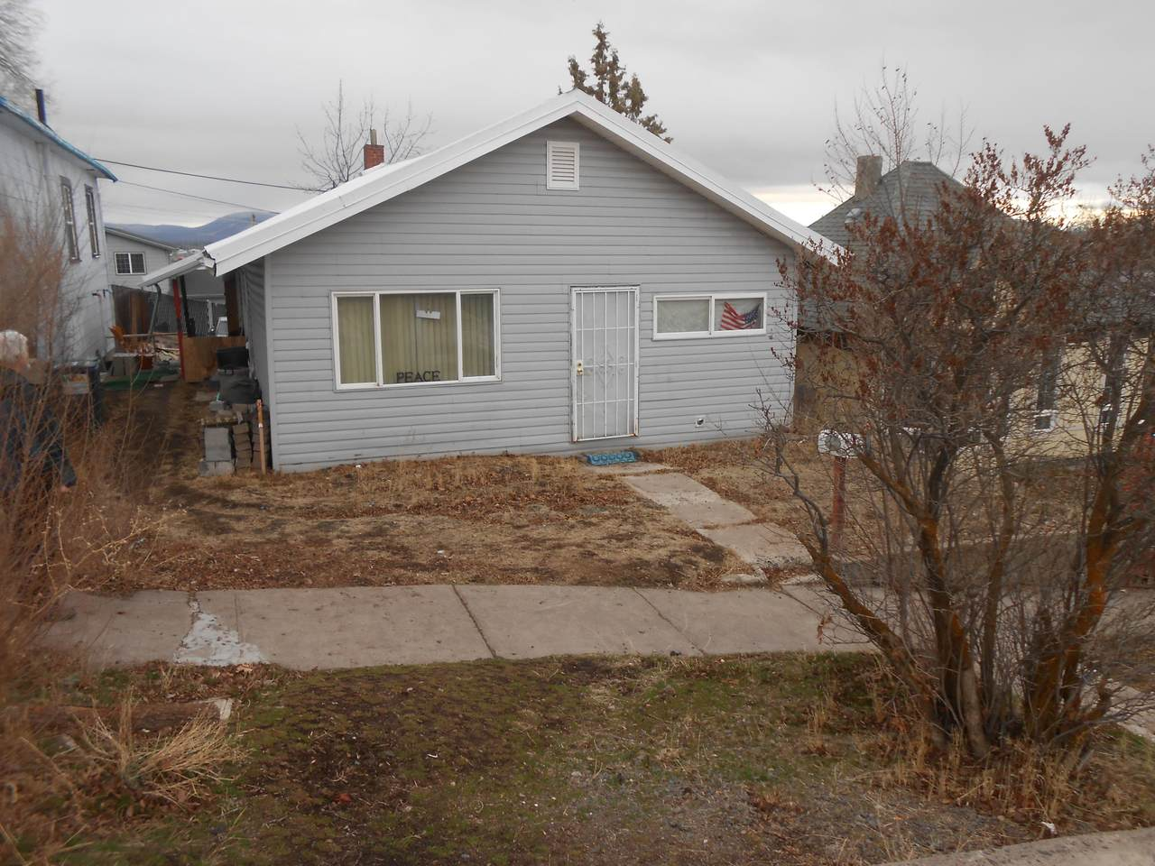 328 Lincoln Street - Photo 1