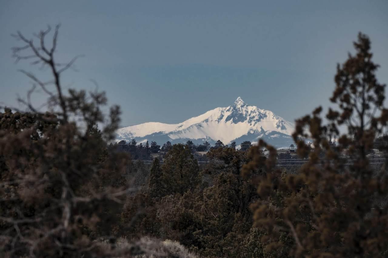 2589 Pinecrest Drive - Photo 1