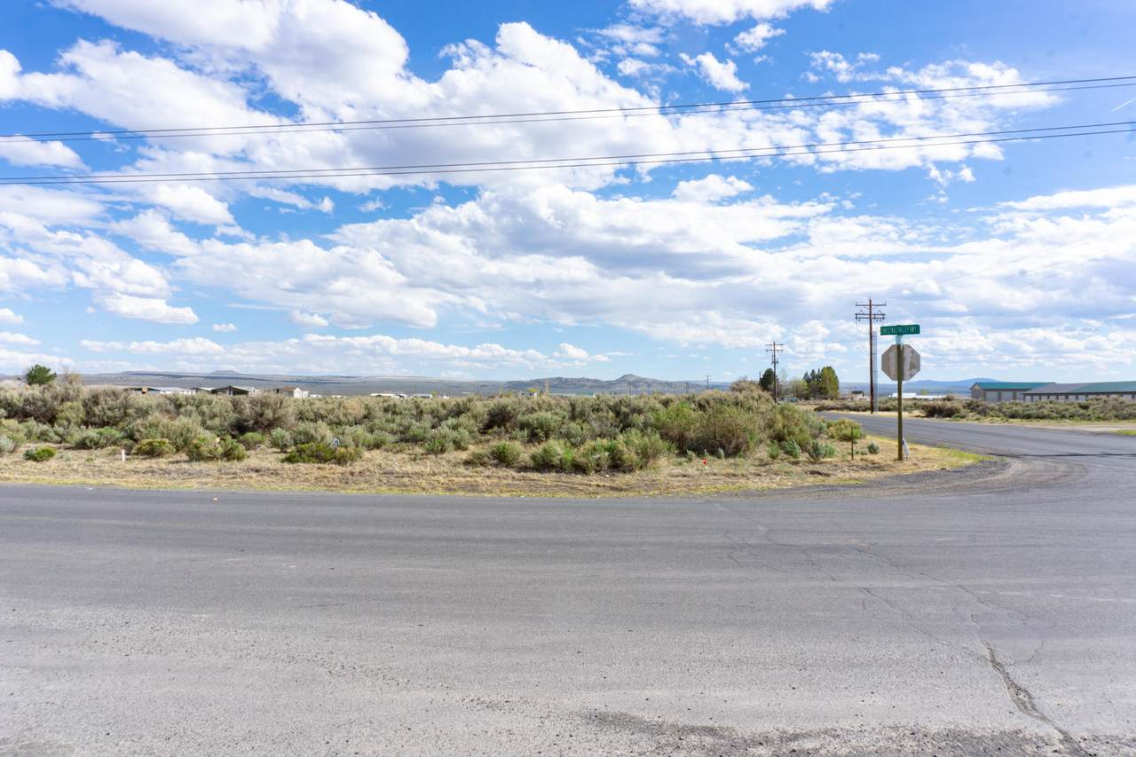 TL2000 Christmas Valley Highway - Photo 1