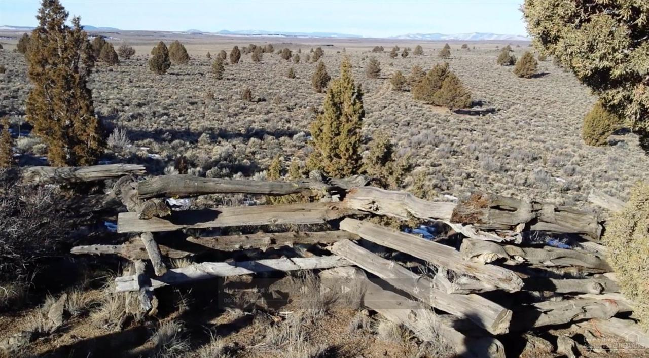 52795 Fredrick Butte Road, Bend, OR 97712 (MLS #201601359) :: Birtola Garmyn High Desert Realty