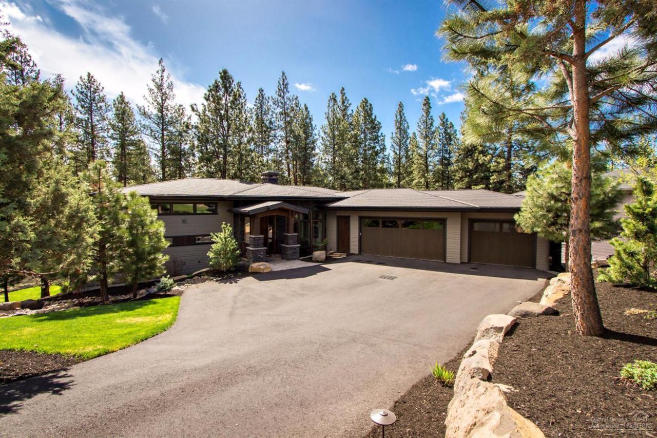 2855 NW Perlette Lane, Bend, OR 97703 (MLS #201603360) :: Birtola Garmyn High Desert Realty