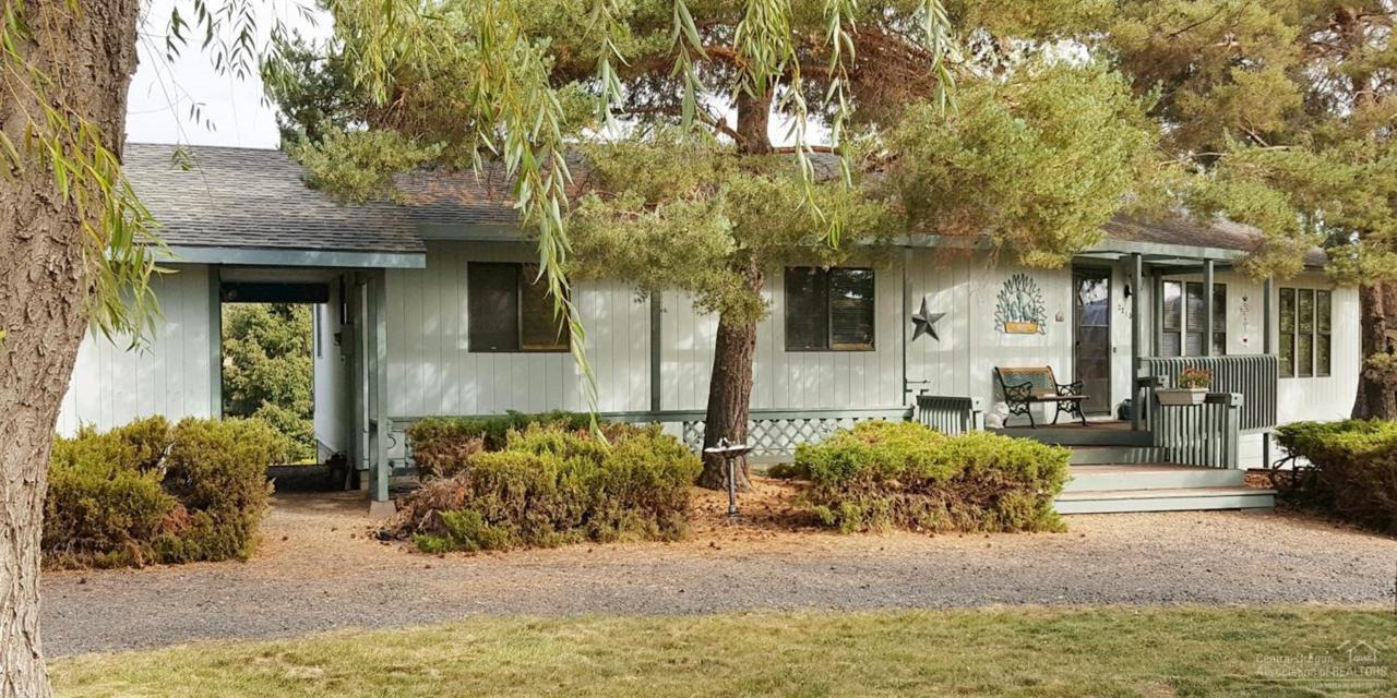 2210 NE Quail Valley Lane, Prineville, OR 97754 (MLS #201604425) :: Birtola Garmyn High Desert Realty