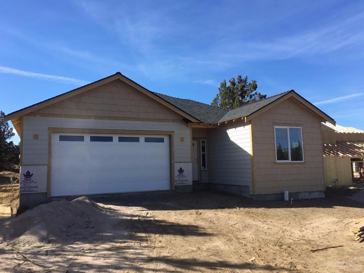 2591 NE Purcell Boulevard, Bend, OR 97701 (MLS #201605067) :: Birtola Garmyn High Desert Realty