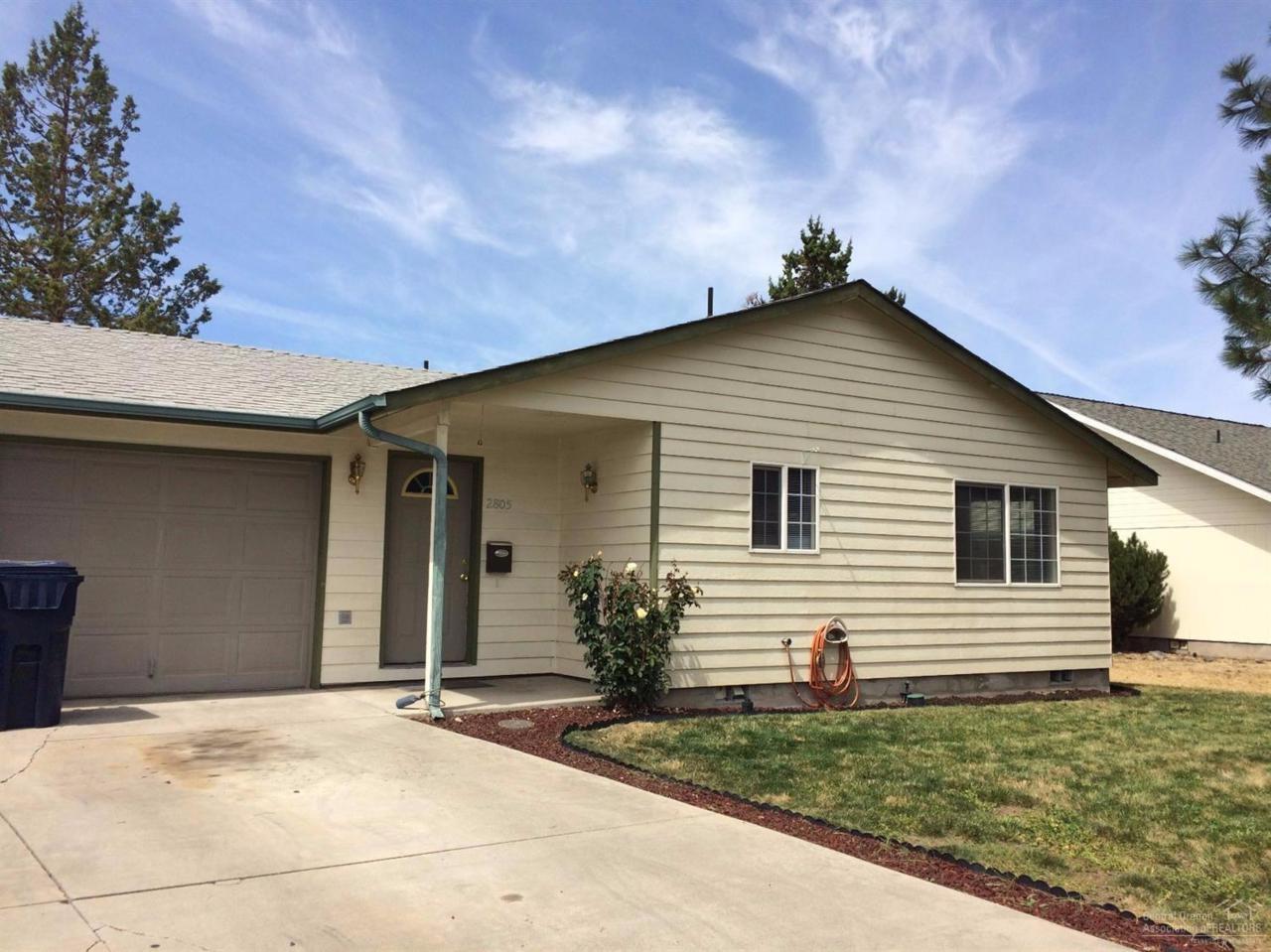 2805 SW 28th Street, Redmond, OR 97756 (MLS #201607919) :: Birtola Garmyn High Desert Realty