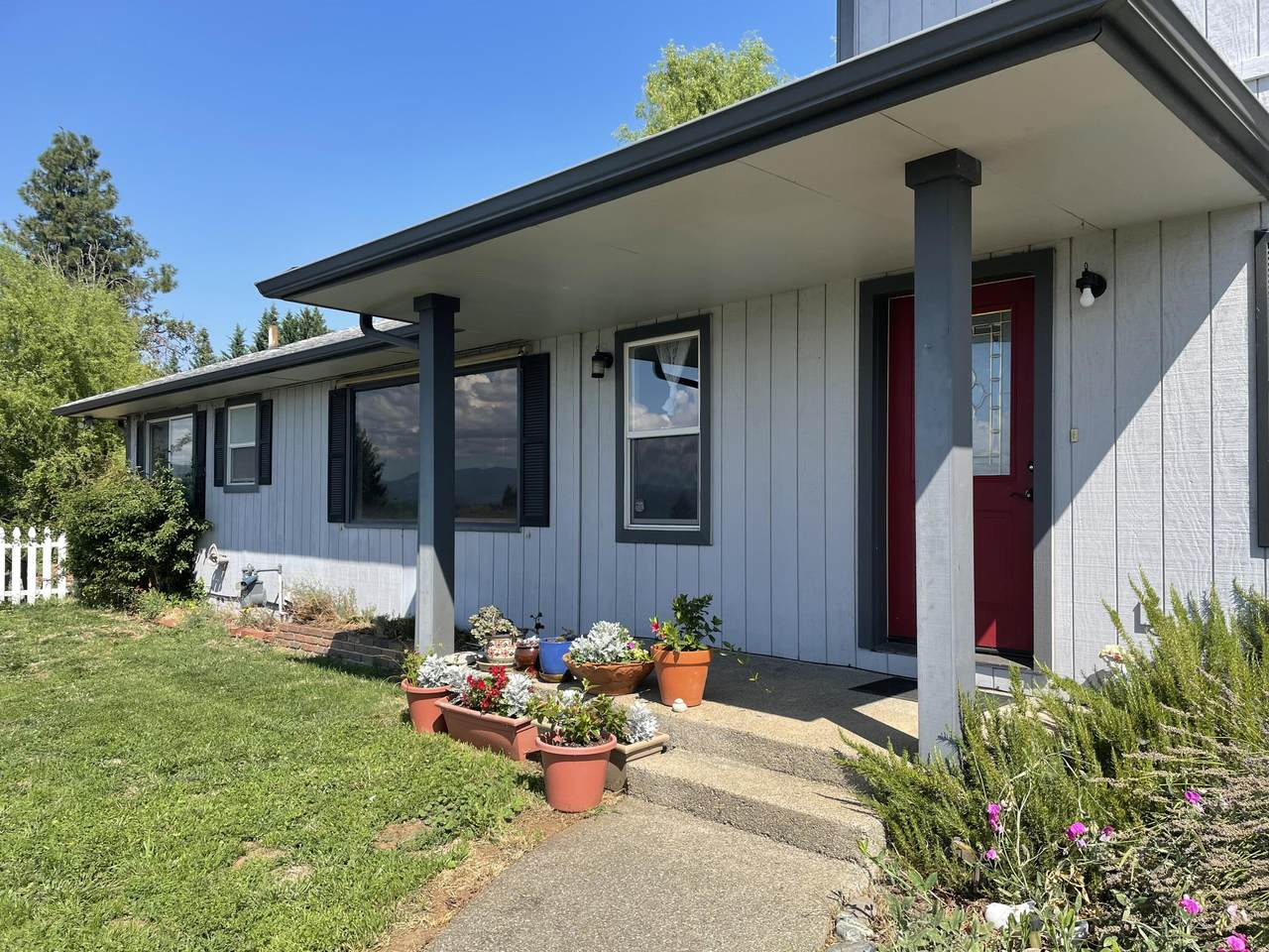 1760 Foothill Boulevard - Photo 1