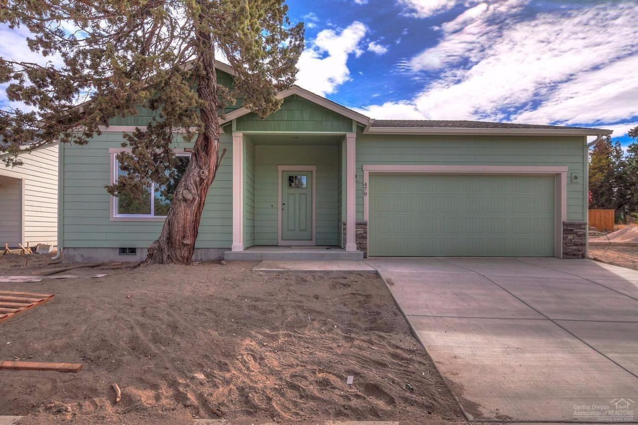 479 SE Gleneden Place, Bend, OR 97702 (MLS #201605822) :: Birtola Garmyn High Desert Realty