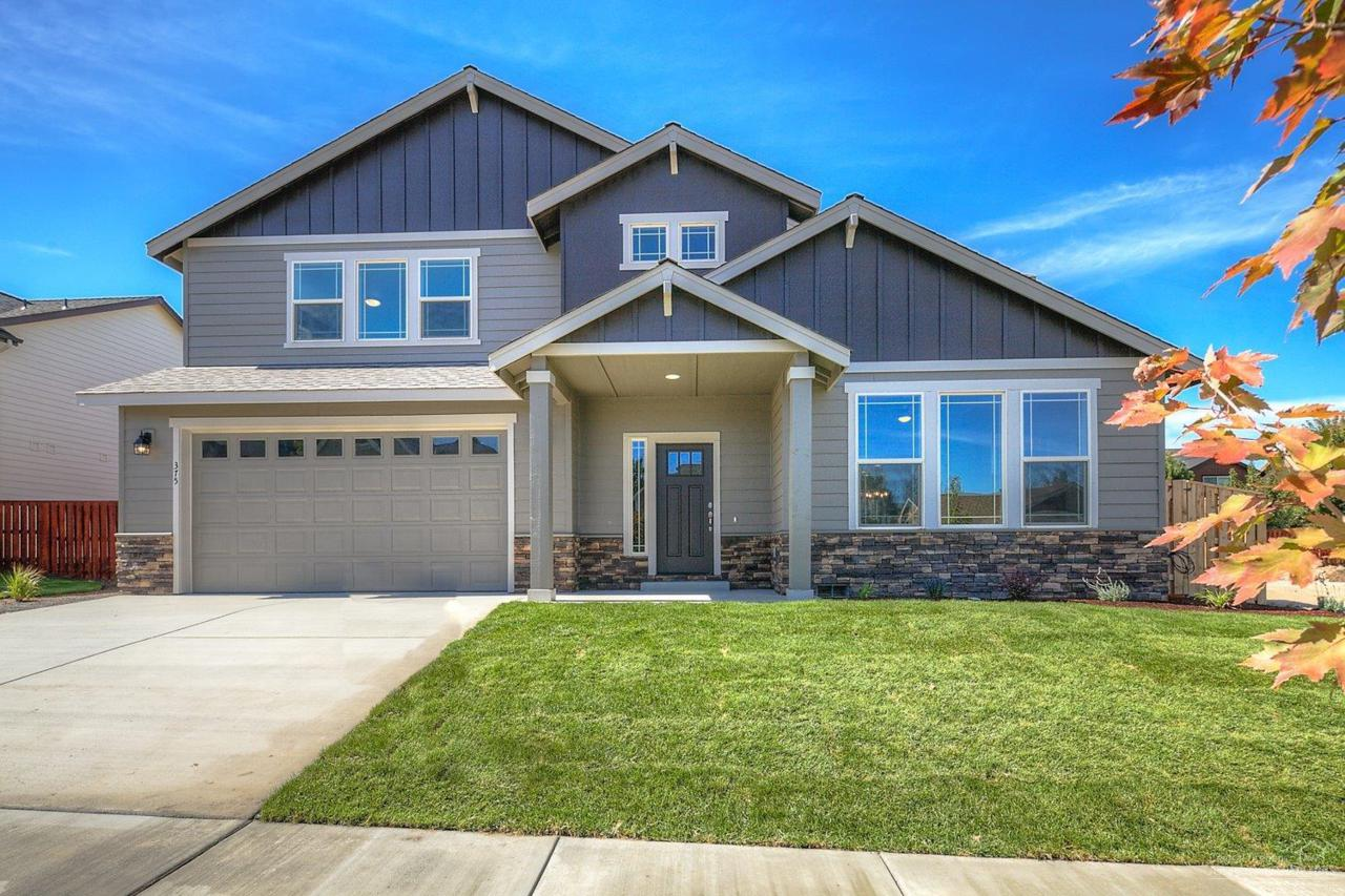 375 NW 28th Street, Redmond, OR 97756 (MLS #201609068) :: Birtola Garmyn High Desert Realty