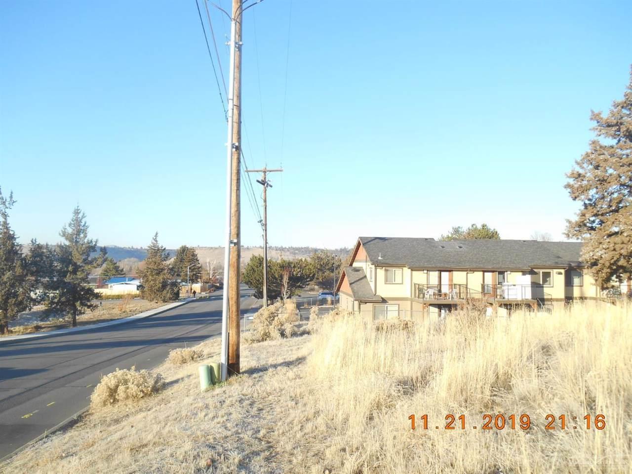 2203 Oak Street - Photo 1