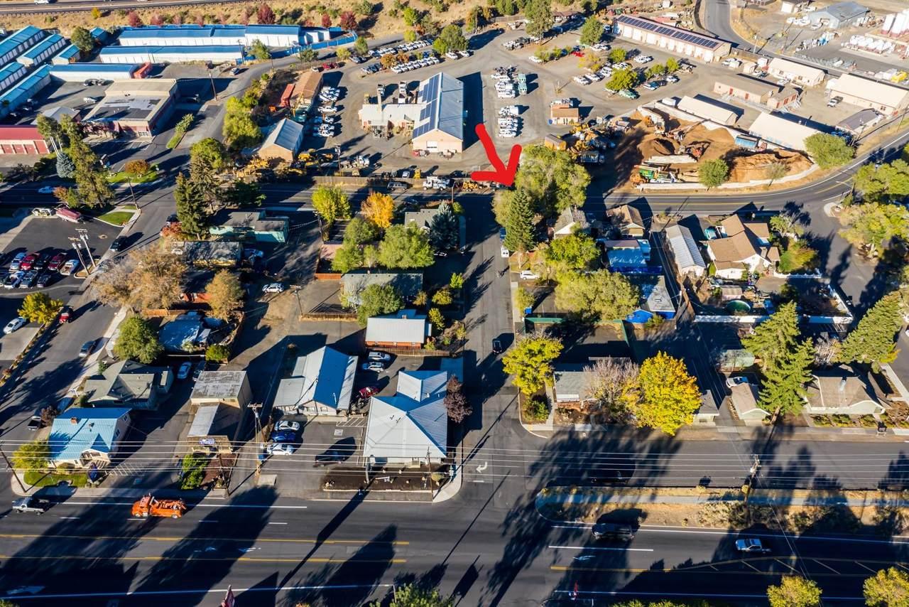 210 Davis Avenue - Photo 1