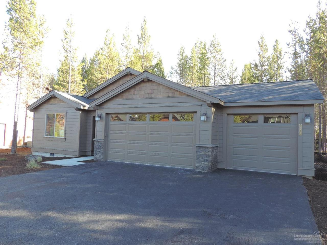 51868 Trapper George Lane, La Pine, OR 97739 (MLS #201608257) :: Birtola Garmyn High Desert Realty