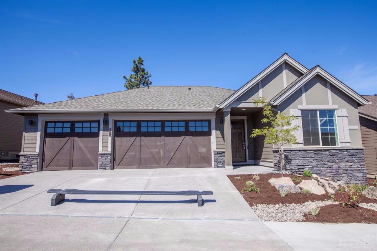 2456 NW Majestic Ridge Drive, Bend, OR 97703 (MLS #201602336) :: Birtola Garmyn High Desert Realty