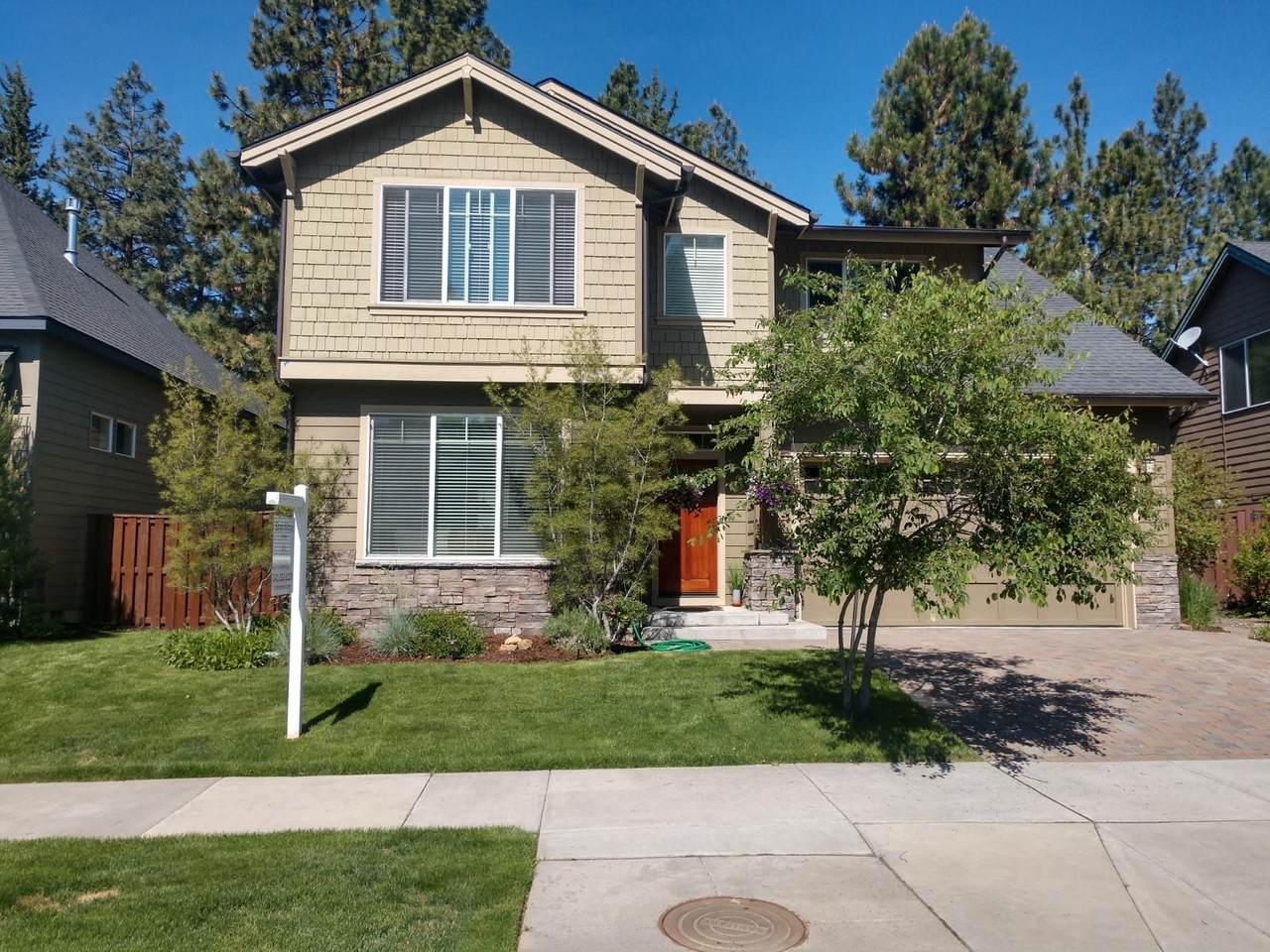 60981 Snowberry Place - Photo 1