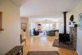 300 Lindy Lane - Photo 4