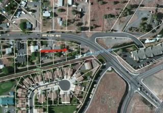 2430 SW Yew Avenue, Redmond, OR 97756 (MLS #201607881) :: Birtola Garmyn High Desert Realty