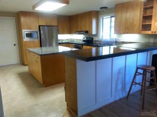 60402 Pocahontas Lane, Bend, OR 97702 (MLS #201611104) :: Birtola Garmyn High Desert Realty