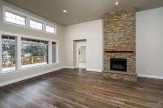 430 Vista Rim Drive, Redmond, OR 97756 (MLS #201701029) :: Fred Real Estate Group of Central Oregon